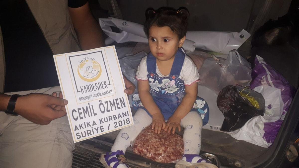 Akika kurbanı bağışlarınızla Suriye'de yetimlerin yüzü gülüyor