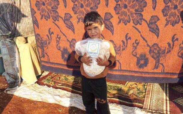 Hama'dan çıkarılmış, evsiz kalmış kimsesiz Müslümanlar yardımınızı bekliyor: Ekmek dağıtımlarımız devam ediyor