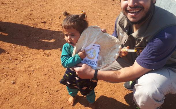 Hama'dan göçen kardeşlerimize günlük 500 ekmek dağıtımımız devam ediyor