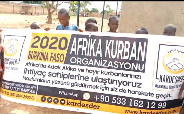 BURKİNA FASO'DA KESİLEN KURBANLARINIZI İHTİYAÇ SAHİPLERİNE ULAŞTIRIYORUZ