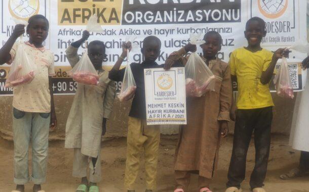 KURBAN BAĞIŞLARINIZ İLE AFRİKA'DA UMUT OLUYORUZ